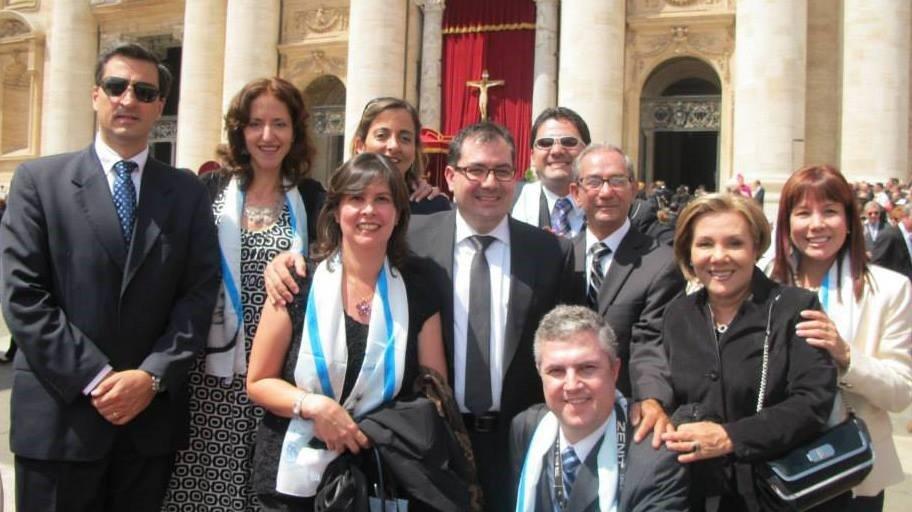 El Dr. Carlos Restrepo y su familia asistieron a la canonización de la Madre Laura en Roma. Cortesía de la S.C.A.R.E.El Dr. Carlos Restrepo y su familia asistieron a la canonización de la Madre Laura en Roma. Cortesía de la S.C.A.R.E.