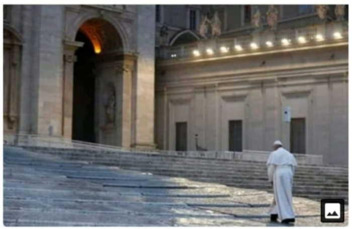 Papa solo en San Pedro