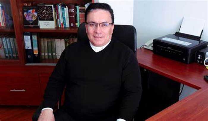 Padre Jorge Enrique Bustamante Mora