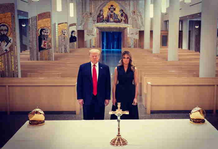 trump melania altar