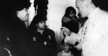 Juan Pablo II y Maradona