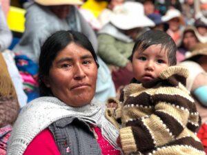 Madre boliviana feliz